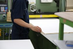 株式会社エムツープレスト 機械での作業